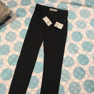 BRAND NEW TOPSHOP JEANS W25