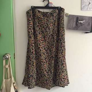 Size L Floral Midi Skirt with Double Slit
