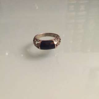 Edgy Ring