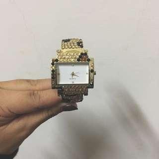 水鑽扣環手錶