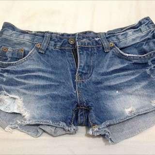 Trendy Short