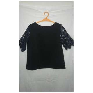 LACED ARM TOP