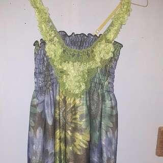 dress cantik Dress Bunga2 Selutut..all Size..good Condition..no Defect..baru 2x Pakai