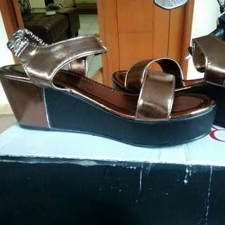 Wedges Red Wine ORI