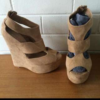 Billini Wedges Size 8