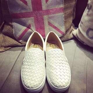 編織小白鞋