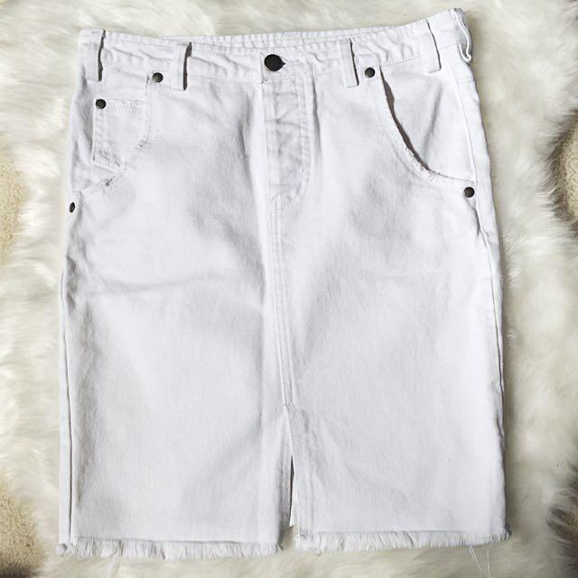 🎀 The Bare Road White Denim Skirt Size XS
