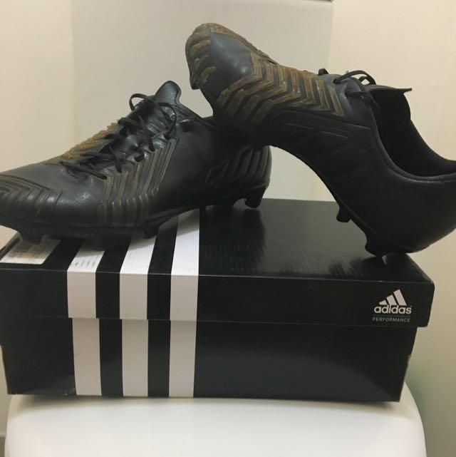 Adidas Predator Instinct Black Out