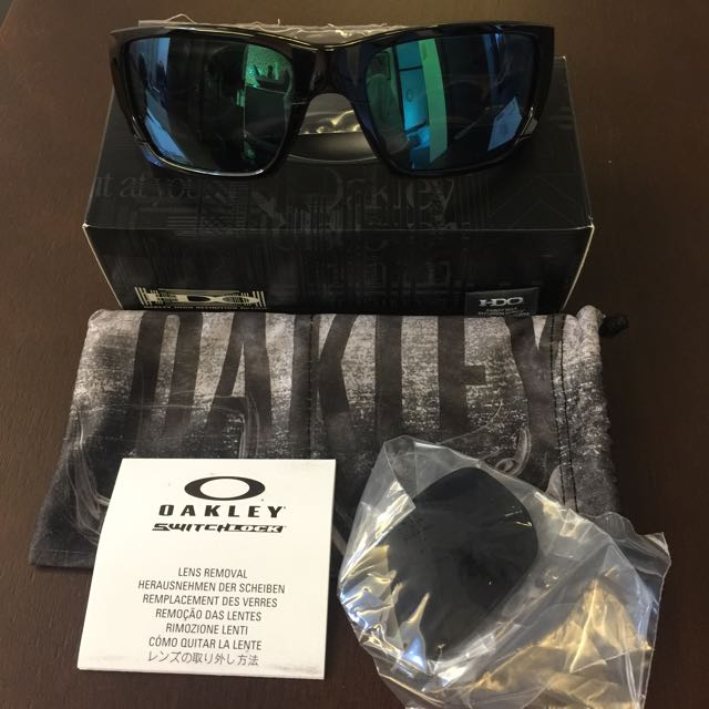 Authentic Oakley Style Switch