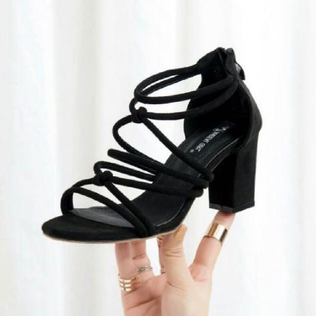 heels wanita gladiator
