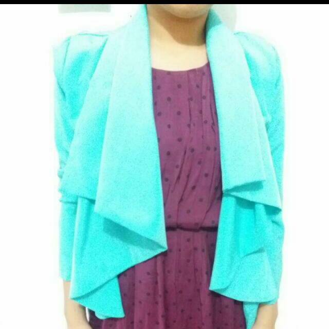 Outer Warna Tosca
