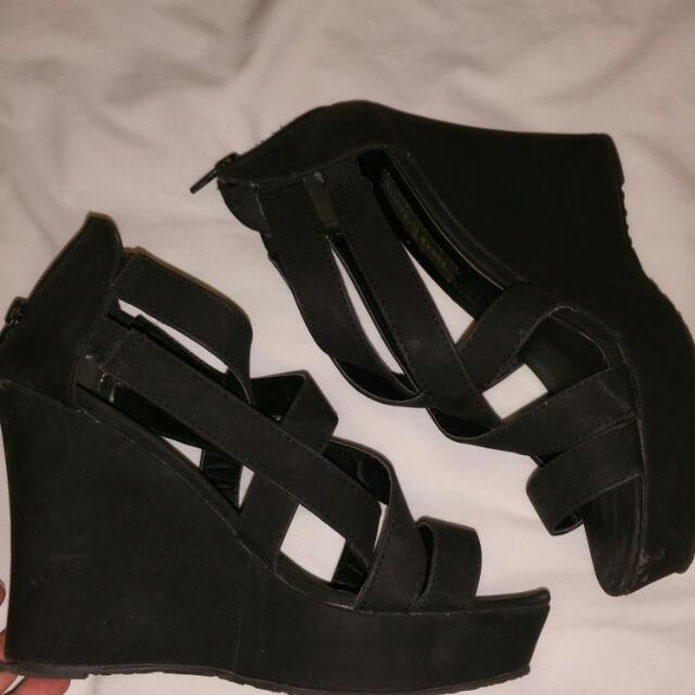 PRE LOVED SHOES HEELS SIZE 9