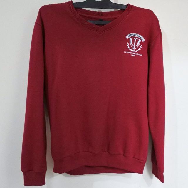 Sweater Maroon Psikologi Unpad