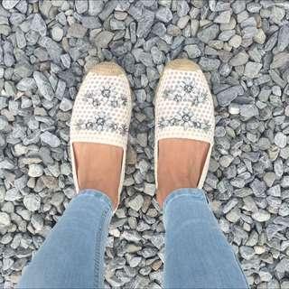Tory Burch 限量白色鑽水晶鉛筆鞋平底
