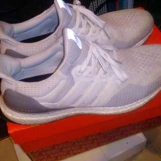 Adidas Ultra Boost 白漸層