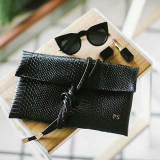 PERSONAL CLUTCH - Flip Snakeskin Black  Real Picture