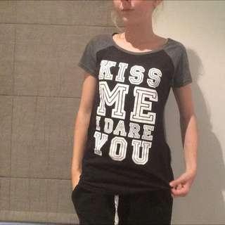 Kiss Me I Dear You