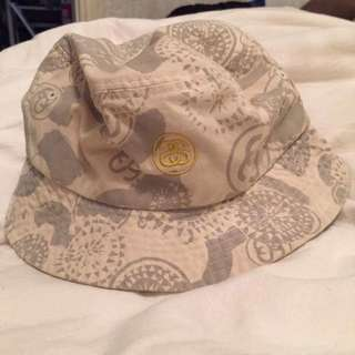 STÜSSY Bucket Hat
