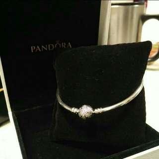 Pandora聖誕節限定雪花硬環19cm附白盒
