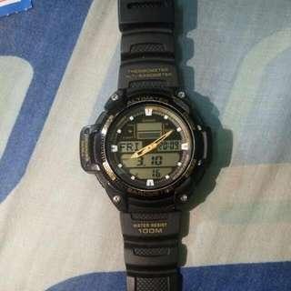 Casio 運動型手錶(黑金)