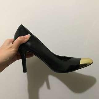 VNC High Heels Cap-toe