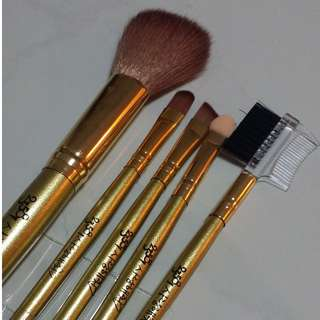 BNIP Korea Makeup Brush Set