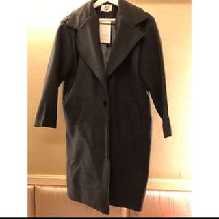 🚚 灰色大衣外套