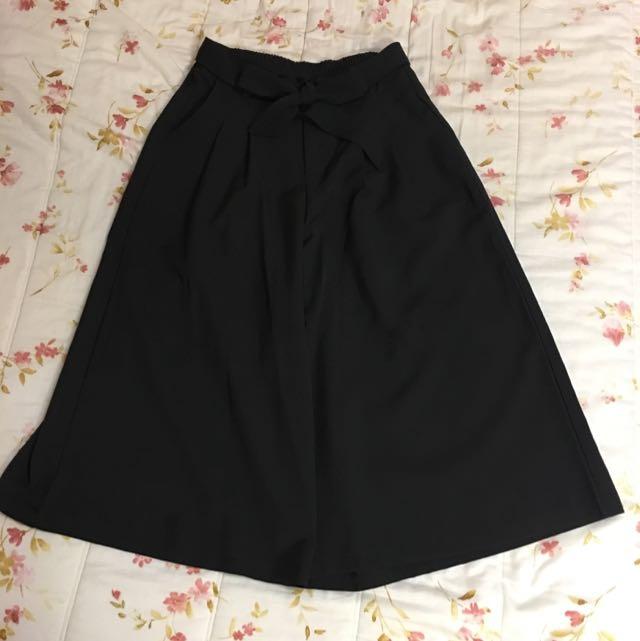 春裝來了!黑色蝴蝶結寬褲