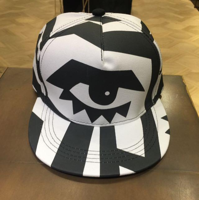 全新 眼睛幾何造型棒球帽
