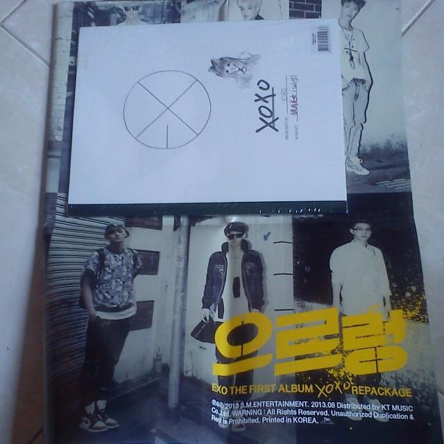Album EXO - XOXO Repackage Version (Chinese Version) + Poster (Ind. License)