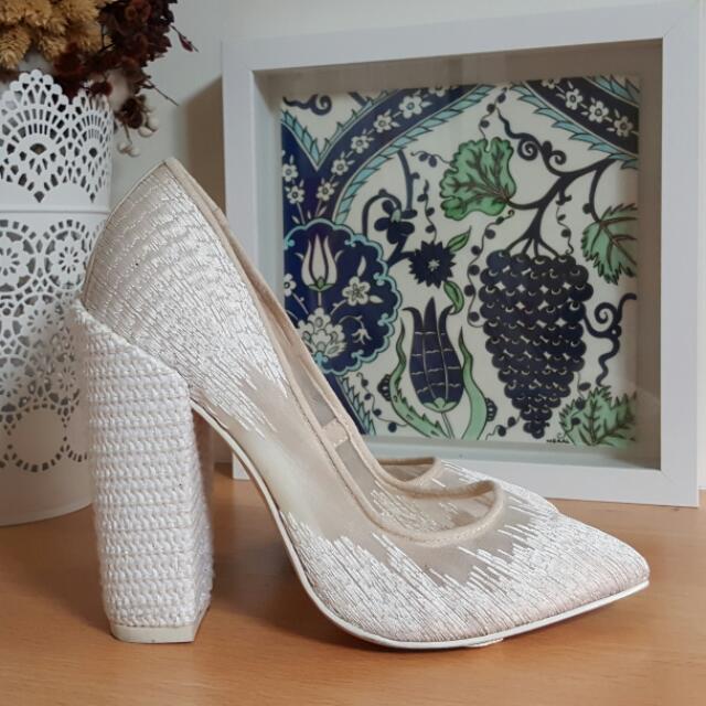ALDO RISE 白色刺繡粗跟鞋