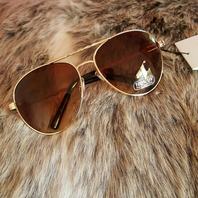 Aviator Sunglasses Gold BNWT