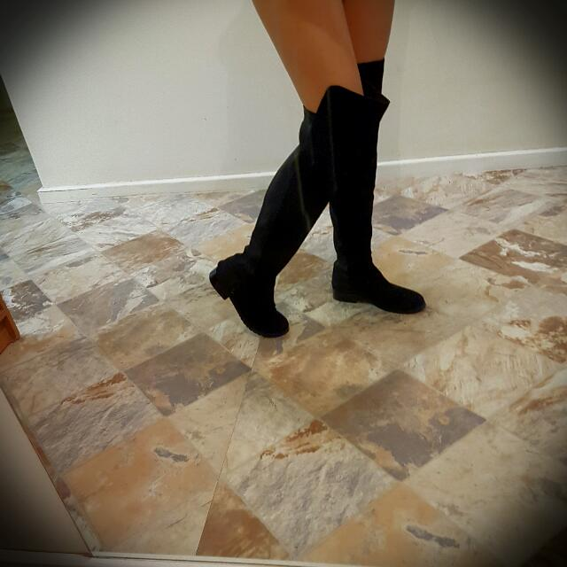 Beautiful Knee high Black Boots