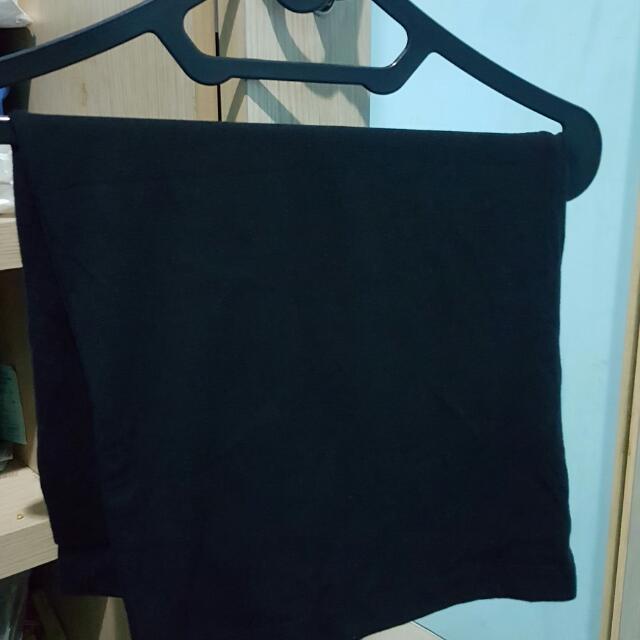 black skirt H&M