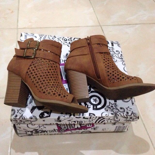 Boots Brash Brown