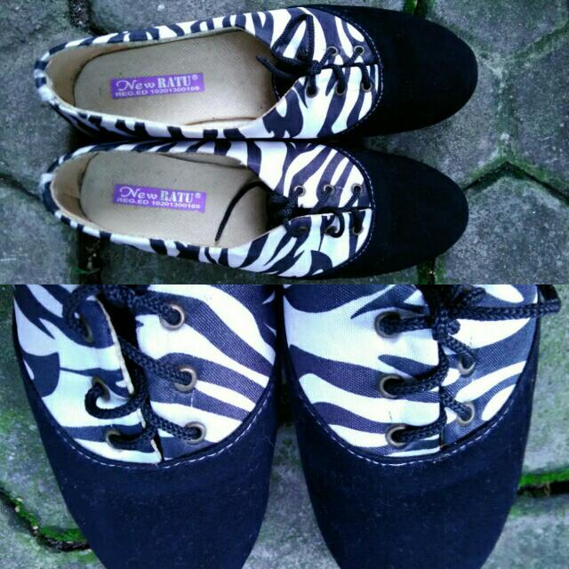 FLAT SHOES Zebra