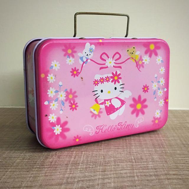 Hello Kitty 鐵盒