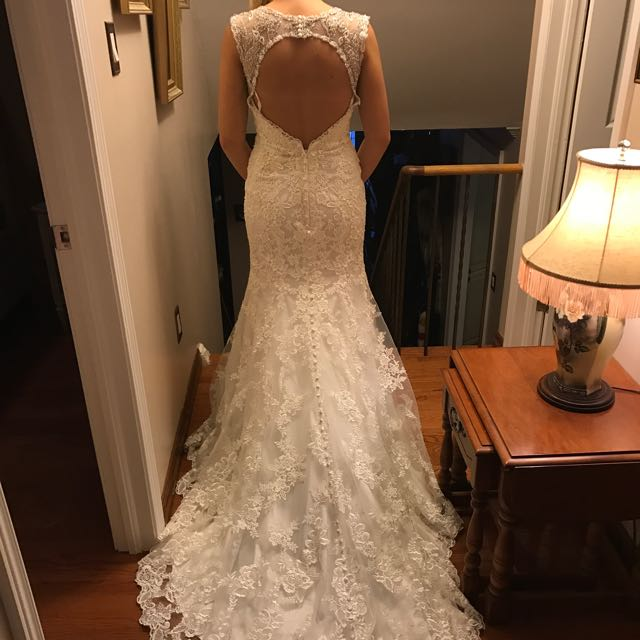 Allure Bridal Lace Wedding Dress