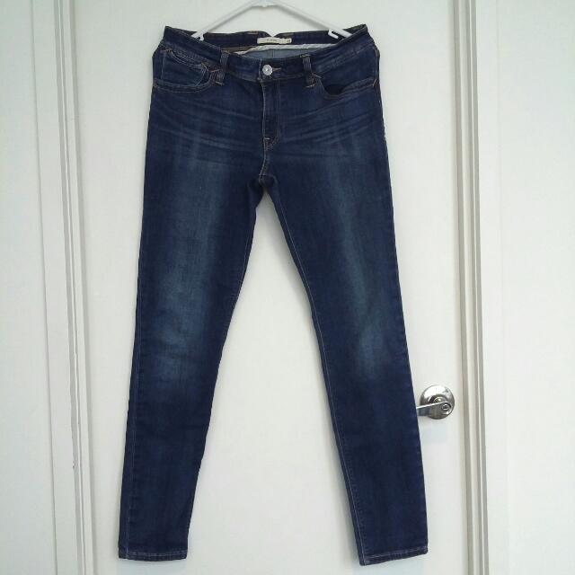 Levi's Mid-Rise 711 Skinny Jeans- Size 28