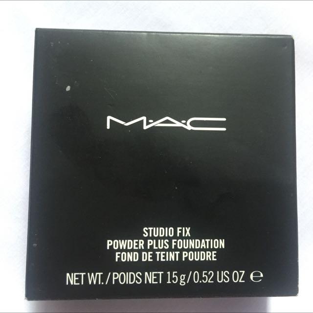 MAC Studio Fix Powder Plus Foundation (NC40)