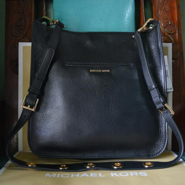 Michael Kors Sullivan Large Leather Messenger