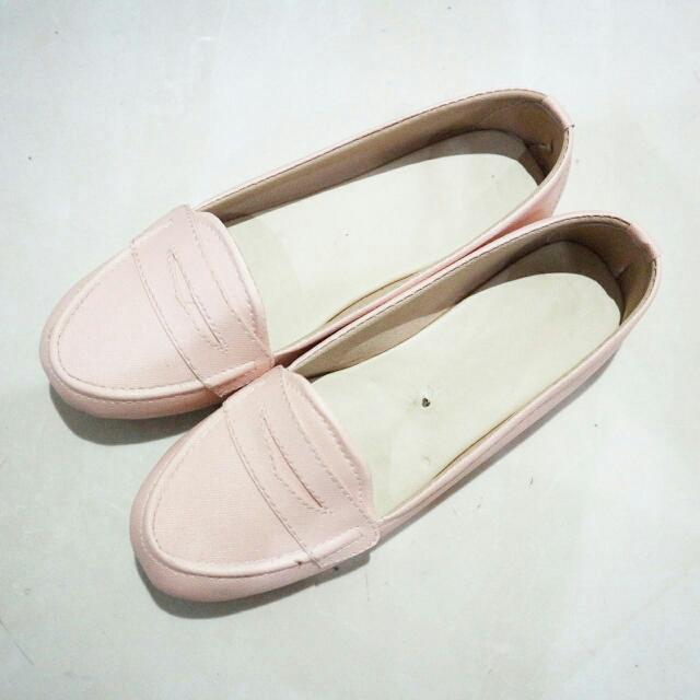 (New) Peach Flatshoes