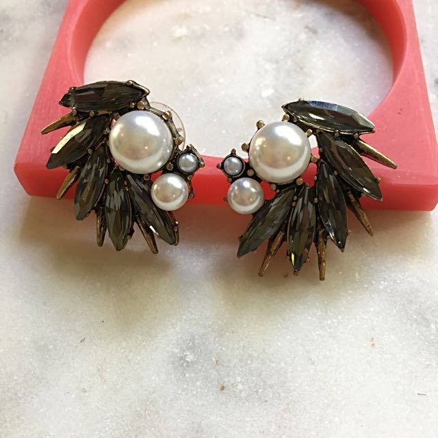 Pearl & Crystal Statement Earrings