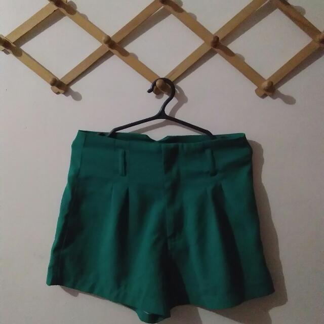 Preloved (High-waisted Green Shorts)