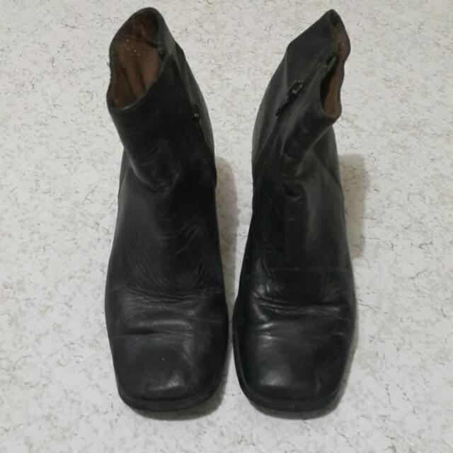 Rusty Lopez Boots Size 7