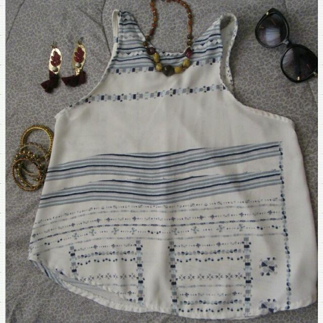 sleeveless top (accessories not included)