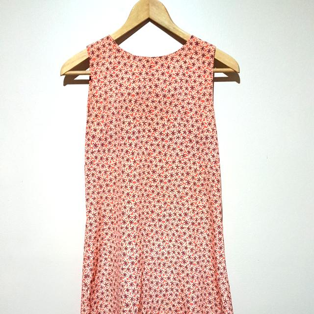 Women's 70s Floral Print Dress