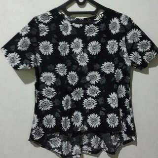 blouse : floral black n white.