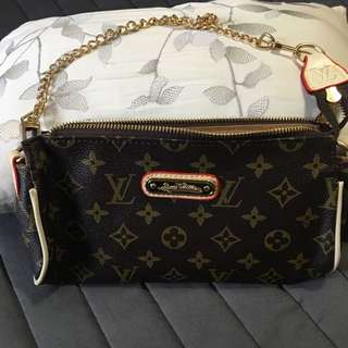 Louis Vuitton Cross body Bag Small