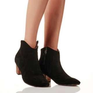La Tribe Boots